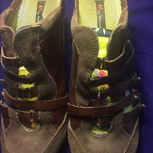 Shoes - M BY MORENATOM BROWN LEATHER/SUEDE WEDGE SZ 8B